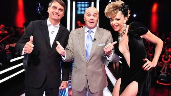 Jair Bolsonaro, Marcelo de Carvalho e Léo Áquilla em edição do 'Mega Senha', na RedeTV!, em 2012