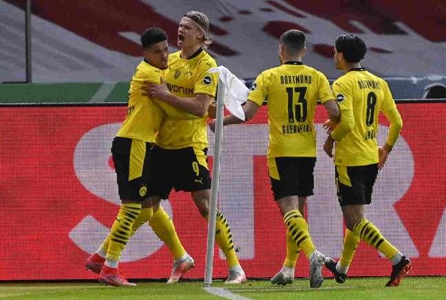 Borussia Dortmund não tomou conhecimento do RB Leipzig (Foto: JOHN MACDOUGALL / POOL / AFP)