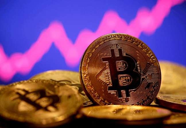 Ilustração representando Bitcoin  08/01/2021 REUTERS/Dado Ruvic
