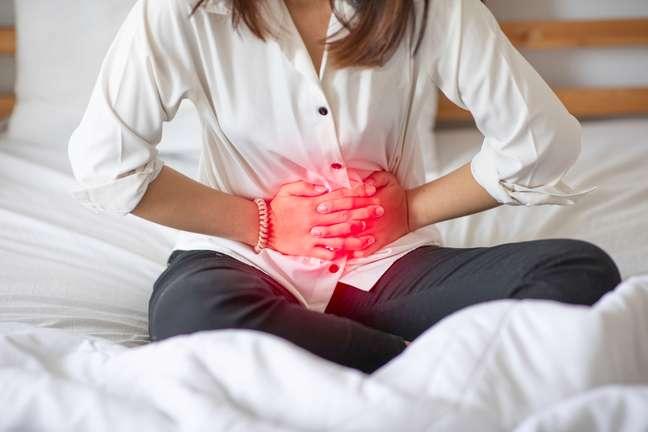 Apesar de não terem cura as doenças intestinais podem ser tratadas com medicamentos e mudanças no hábito de vida