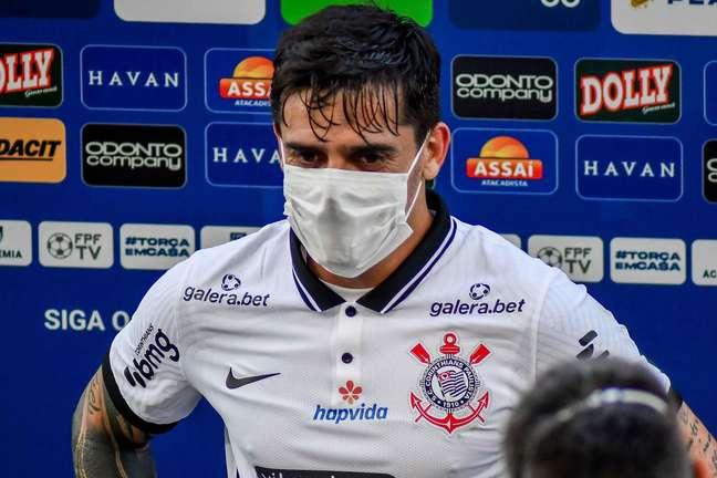 Fagner, do Corinthians, em jogo contra o Internacional em 11/05/2021