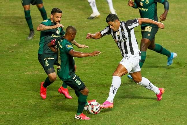 Hulk em disputa pela primeira partida da final do Campeonato Mineiro de 2021