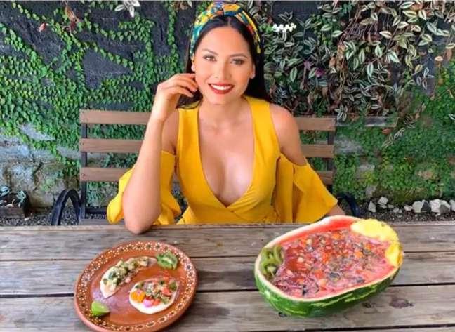 Nas redes sociais, ela ensina receitinhas saborosas e saudáveis.