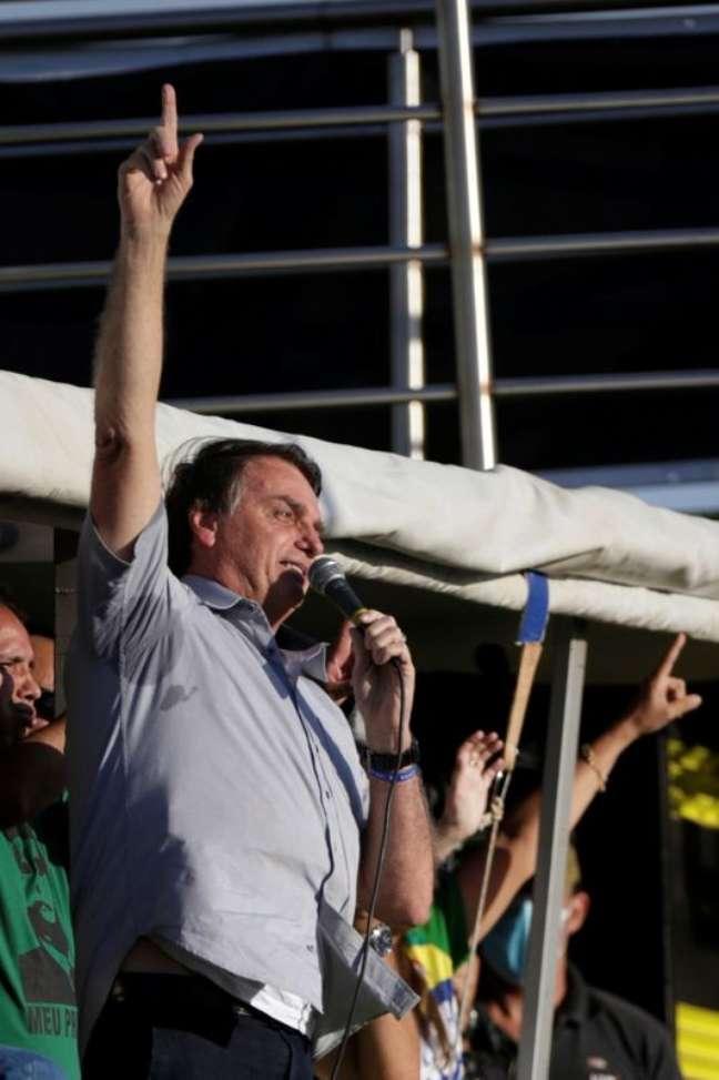 Bolsonaro em ato de apoio a governo em Brasília  15/5/2021 REUTERS/Ueslei Marcelino