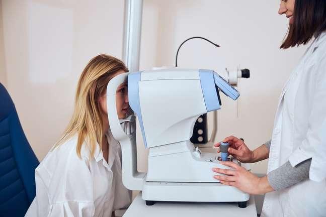 O glaucoma pode ser definido como o aumento da pressão intraocular
