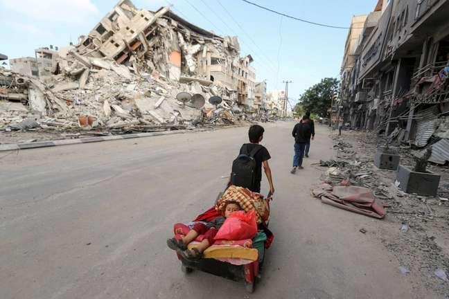 """Hady Amr é enviado dos EUA à região; ele exorta ambos os lados a """"trabalharem para uma paz sustentável"""""""