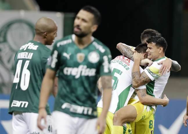 Em jogo de sete gols, Palmeiras perde para o Defensa y Justicia no Allianz