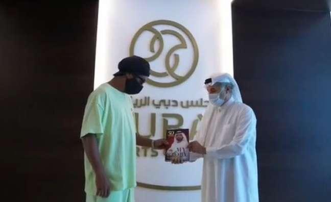 Ronaldinho visita Dubai (Foto: Reprodução/Instagram Ronaldinho)