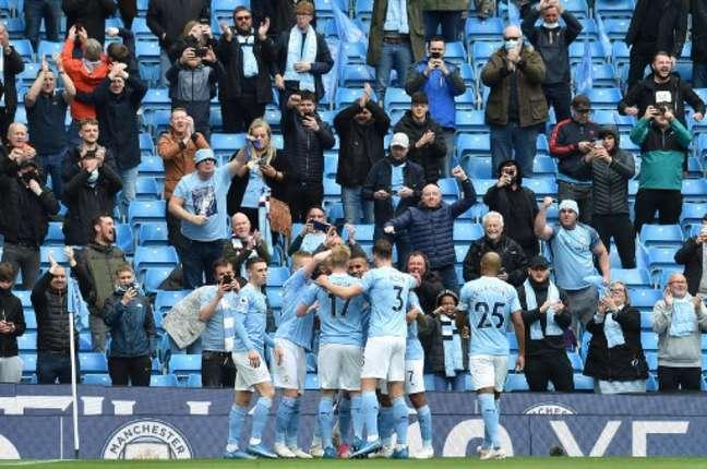 Jesus participou bem na goleada do Manchester City sobre o Everton (PETER POWELL / POOL / AFP)