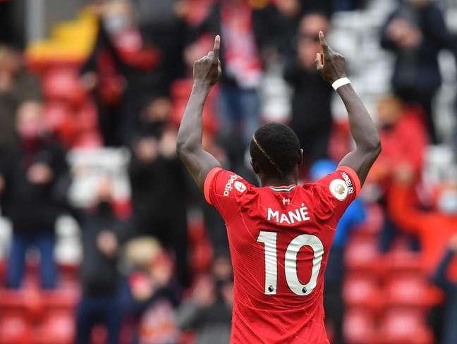 Sadio Mané comemora gol pelo Liverpool