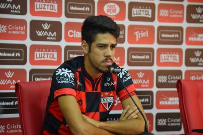 Victor Paraíba quer crescer de produção junto com a equipe em 2020 (Foto: Divulgação/Atlético-GO)