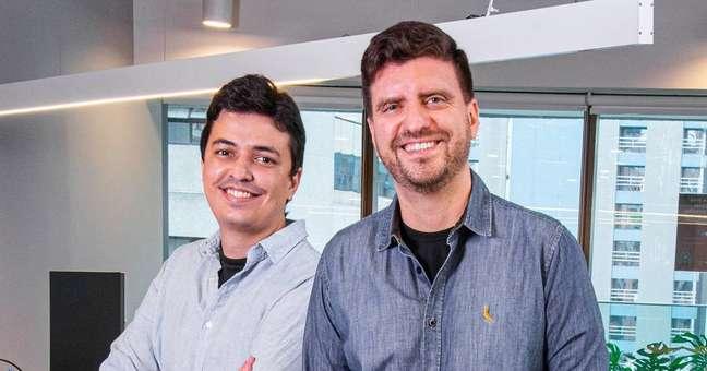 Rodrigo Neves (esq.) e Antonio Rocha (dir.) são os fundadores da autointitulada primeira 'prevtech' do Brasil, a Onze