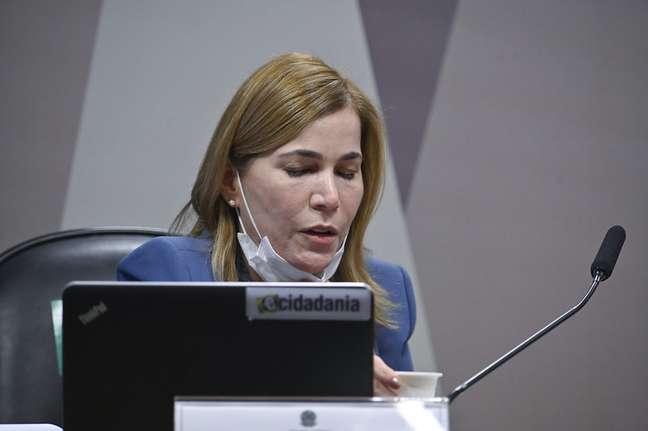 """Mayra Pinheiro afirnou ter visto um """"pênis inflável"""" na sede da Fiocruz em áudio apresentado na CPI da Pandemia"""