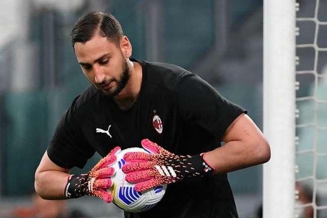 Donnarumma tem contrato com o Milan até o dia 30 de junho (Foto: ISABELLA BONOTTO / AFP)