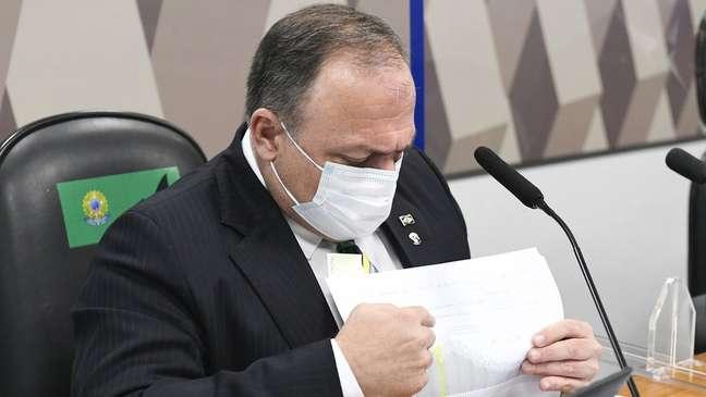 O ex-ministro Pazuello afirmou que não há comprovação de eficácia de medidas de isolamento, o que não é verdade