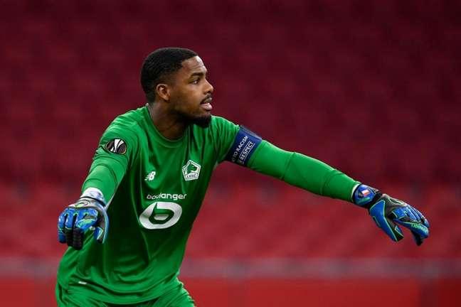 Mike Maignan foi titular em todas as 38 partidas do Lille no Campeonato Francês (Foto: JOHN THYS / AFP)