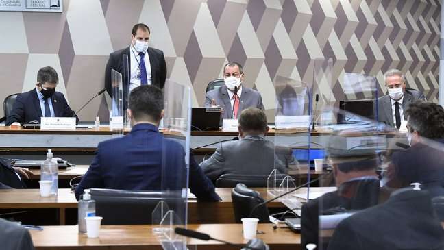 Comissão Parlamentar de Inquérito aprovou a convocação de nove governadores