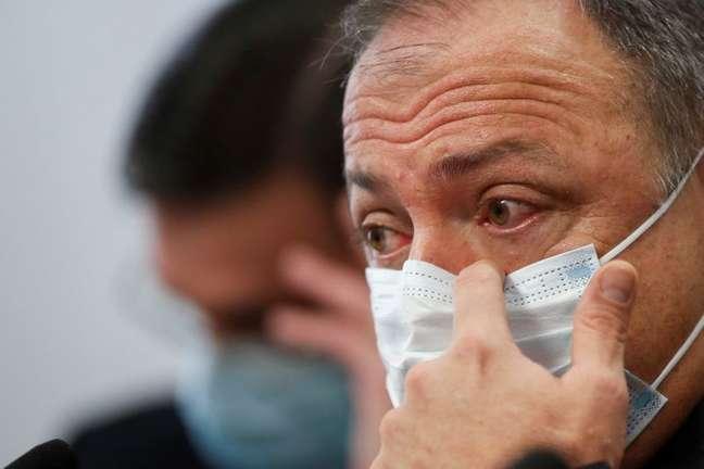 Ex-ministro da Saúde Eduardo Pazuello presta depoimento à CPI da Covid REUTERS/Adriano Machado