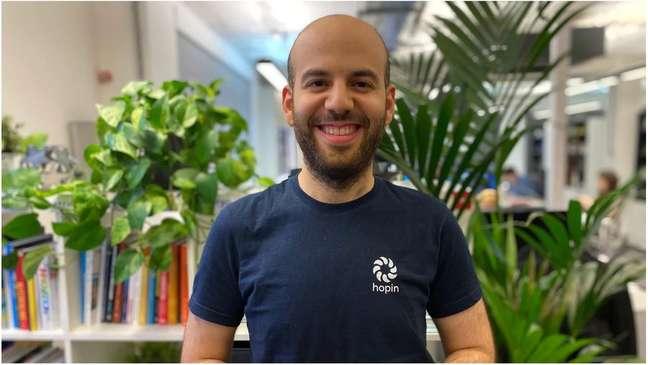 Johnny Boufarhat criou plataforma de eventos online em 2018 quando estava acamado com doença autoimune; sua fortuna pessoal é estimada em R$ 11 bilhões