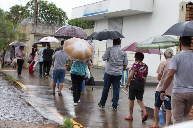 Mortes por covid caem 95% em Serrana após vacinação em massa