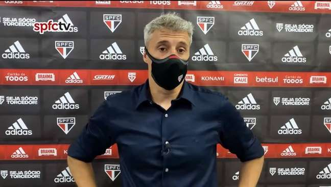 O técnico Hernán Crespo tem um início de Brasileiro muito ruim no comando do São Paulo.