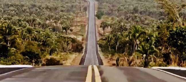 """Cena de """"Transamazônica: Uma Estrada para o Passado"""""""