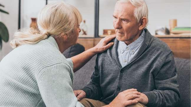 A doença de Alzheimer é caracterizada pela perda de memória ao longo do tempo
