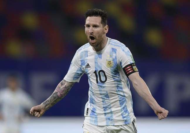 Messi tem vantagem sobre Neymar na artilharia dos jogos entre Brasil e Argentina, em que ambos atuaram