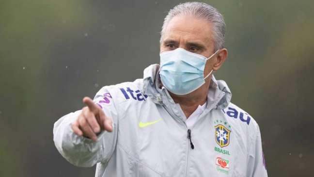 Treinador da Seleção, Tite foi chamado de 'lacrador' por torcedores (Foto: Lucas Figueiredo/CBF)