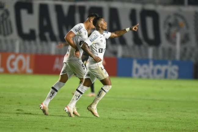 Marinho e Kaio Jorge marcaram na vitória do Santos sobre o Ceará (FOTO: Divulgação/ SantosFC)