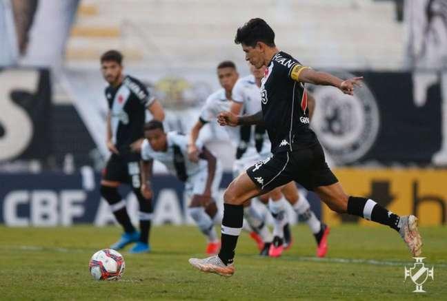 Germán Cano converteu a cobrança de pênalti para o Cruz-Maltino (FOTO: Rafael Ribeiro/Vasco)