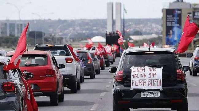 Manifestantes protestam contra Copa América no Brasil