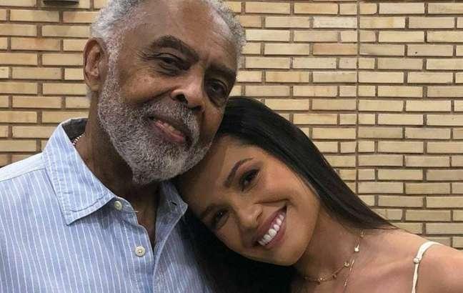 Gilberto Gil e Juliette em ensaio para live junina