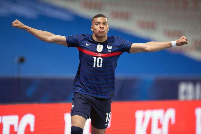 O atacante Kylian MBappe em jogo pela Seleção da França