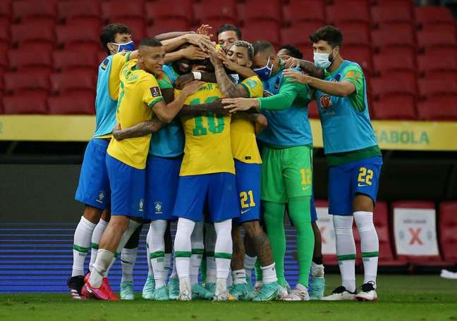 Jogadores da Seleção fizeram um manifesto sobre a Copa América sem citar que o Brasil já se aproxima de 500 mil mortes provocadas pela covid-19 04/06/2021 REUTERS/Diego Vara