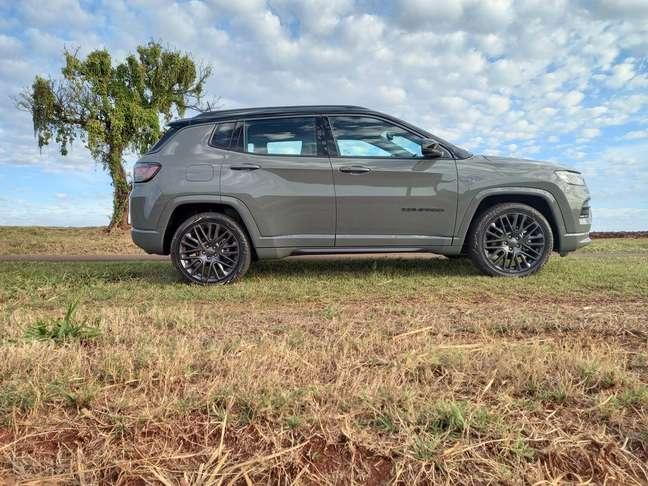 Jeep Compass Série 80 Anos: beleza comentada em todas as paradas.