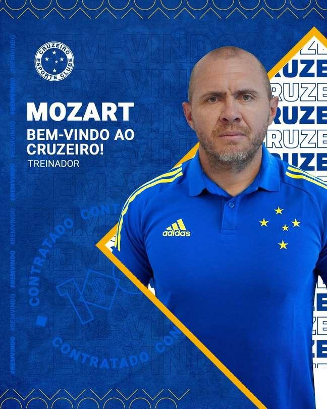 Mozart Santos assumiu o comando técnico do Cruzeiro em meados de junho e ainda não arrumou a casa