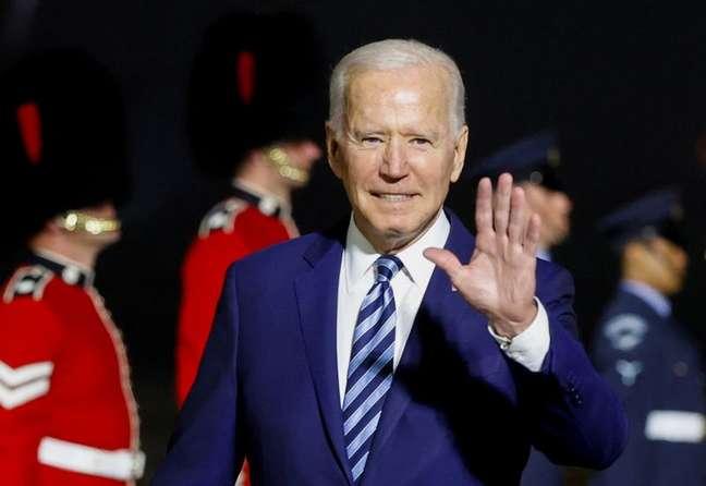Presidente dos EUA, Joe Biden, no aeroporto da Cornuálhia, na Inglaterra 09/06/2021 REUTERS/Phil Noble/Pool