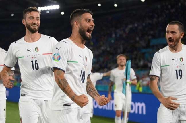 Insigne comemora o último gol da vitória da Itália sobre a Turquia (Foto: Mike Hewitt / POOL / AFP)