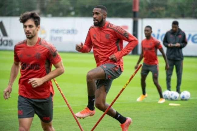Gerson e Rodrigo Caio no treino (Foto: Alexandre Vidal/Flamengo)