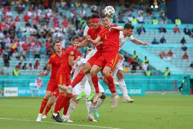 Vista de momento da partida entre Suíça e País de Gales, pela Euroa 2020, em Baku, no Azerbaijão. 12/6/21 REUTERS/Tolga Bozoglu