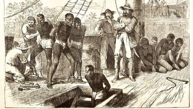 As condições nos navios negreiros, em geral superlotados, eram desumanas