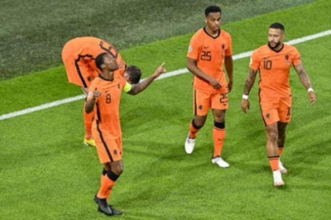 Holanda fez bom segundo tempo (Foto: OLAF KRAAK / POOL / AFP)