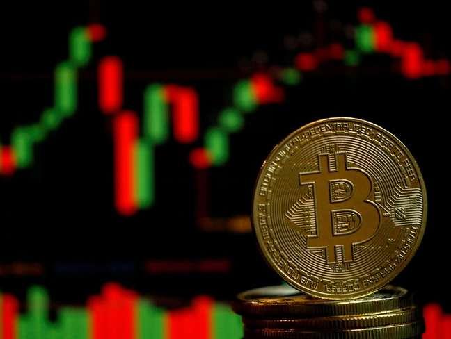 Representação da criptomoeda Bitcoin em ilustração  14/06/2021 REUTERS/Edgar Su