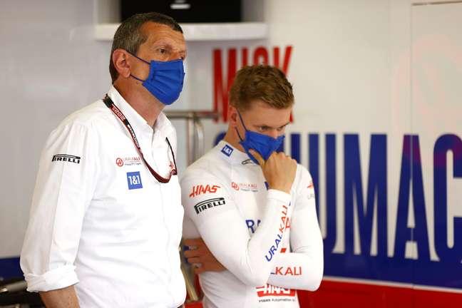 Guenther Steiner entende que é difícil, no momento, ter um norte-americano no grid da F1
