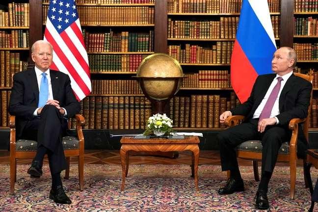 Biden e Putin reunidos em Villa La Grande, Genebra 16/6/2021 REUTERS/Kevin Lamarque