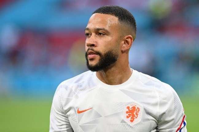 Depay marcou 22 gols em 40 jogos pelo Lyon na temporada 2020/21 (Foto: JOHN THYS / POOL / AFP)
