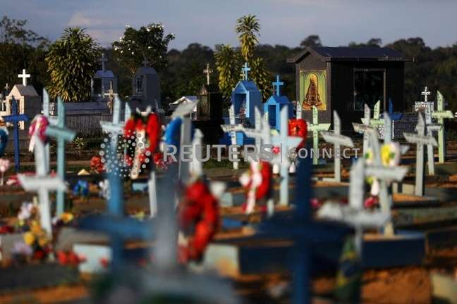 Cemitério em Manaus  20/5/2021  REUTERS/Bruno Kelly