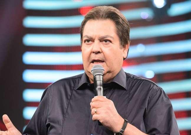Fausto Silva teve saída antecipada pelaRede Globo.