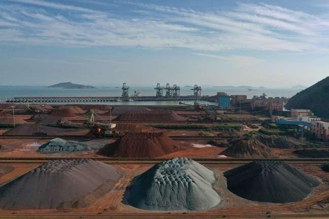 Pilhas de minério em Zhejiang 9/05/2019 REUTERS/Stringer